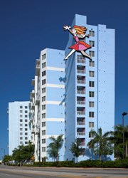 PinnacleHousing Los Suenos Romero Britto sculpture